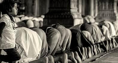 11146655355_c6e2cf5f1e_muslim-prayer