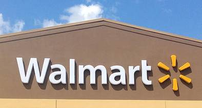 Walmart Gives Workers $11 Starting Wage Thanks to Tax Reform