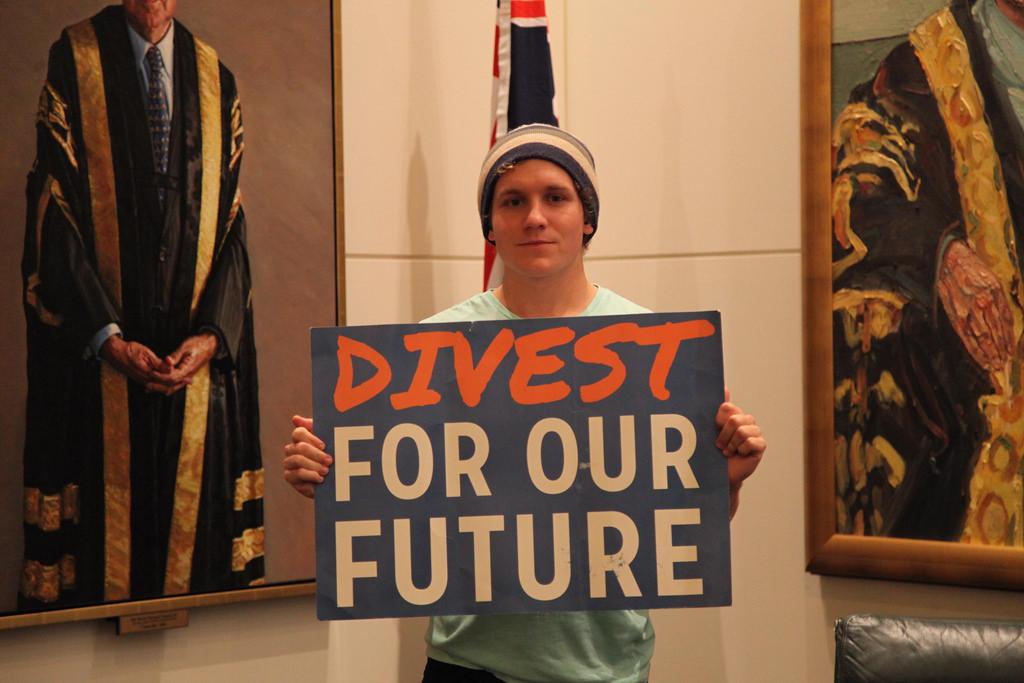 divestment oil photo
