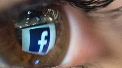 As Privacy Concerns Mount, Facebook Dials Back Facial-Recognition Feature