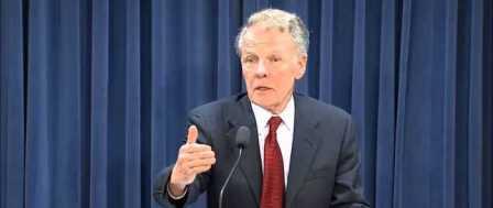 Bankrupt Illinois Hikes Income Taxes 32 Percent