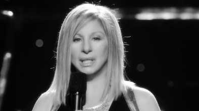 Barbra Streisand Returns to the Main Stage By Trashing Trump, Praising Clintons