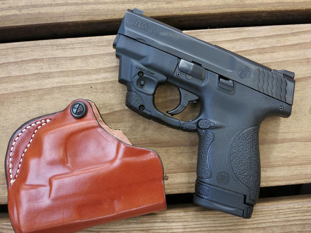 semi auto handgun photo
