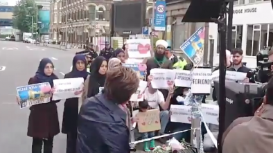 CNN Caught Staging Fake Protest for Anti-ISIS Muslims