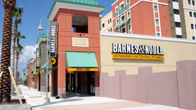 College Students FED UP w/ Price Gouging on Textbooks by Barnes & Noble