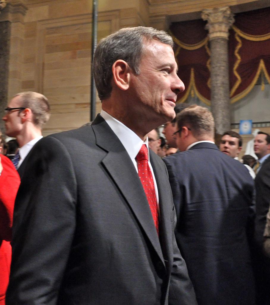 Justice John Roberts photo
