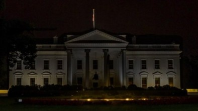 Dems Share Fake Image of Old White House Photo to Slam Trump
