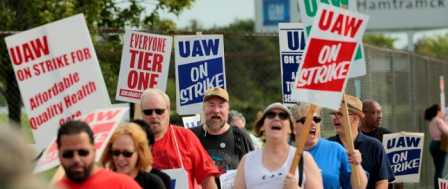 Detroit Auto Workers Enter Second Week of Strike as UAW Talks with GM