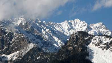 Himalayan Snowfall Increases and Decreases Because of Climate Change, Proponents Say