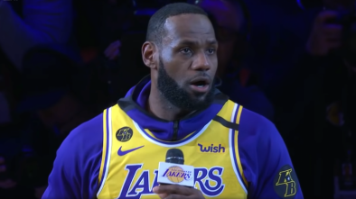 LeBron James Demands NFL Issue 'Official Apology' to Colin Kaepernick