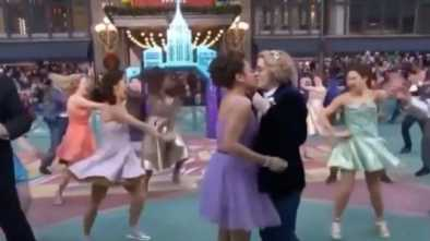 Macy's Thanksgiving Day Parade Shows Lesbian Kiss