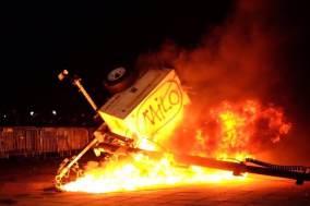 milo-protest-berkeley-Twitter