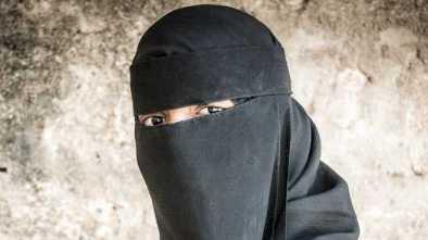 Muslims Demand Anonymity as They Sue California Café