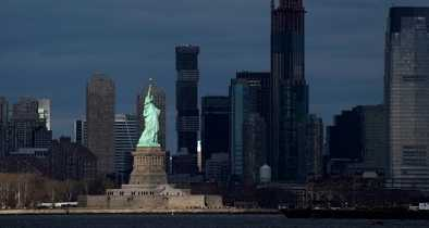 NY Judge to Sentence Woman Who Climbed the Statue of Liberty to Protest ICE