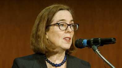 Oregon Democrats Scrap Climate Change Bill After Republicans Flee, Boycott the Legislature