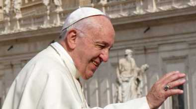 Pope Francis Tells Homo: 'God Made You Like This and Loves You Like This'