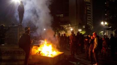 Portland Protesters Clash w/ Police, Throw Fireworks