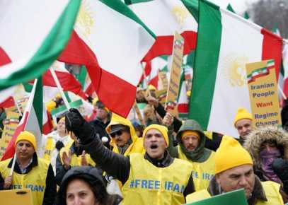 Protesters in Washington, D.C. Chant for 'Regime Change' in Iran