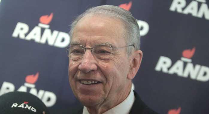 Sen. Grassley says FBI Had Double Standard in Clinton, Trump Probes