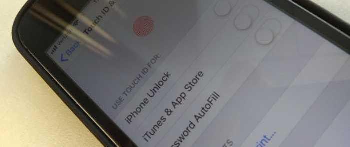 Sen. Rick Scott Calls on Apple to Help FBI Unlock Naval Shooter's iPhones