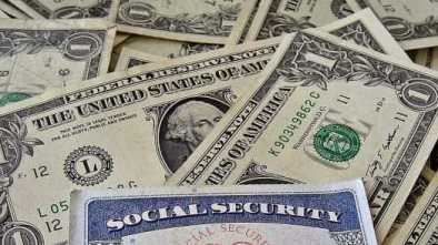Social Security Glitch to Shrink Many Seniors' Bank Accounts