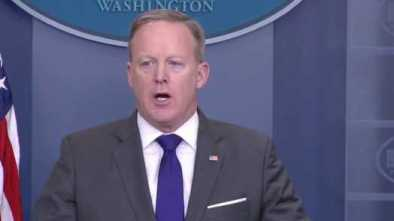 Spicer Resigns From White House Team 1