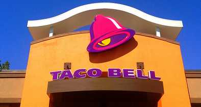 Taco Bell Employee Refuses Service to Customer Who Doesn't Speak Spanish