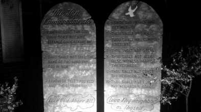 Ten Commandments Divides Candidates in Alabama Governor's Race