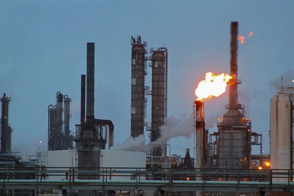 Texas oil refinery photo