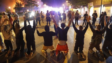 Thousands Ignore Minneapolis Curfew; Continue to Torch City