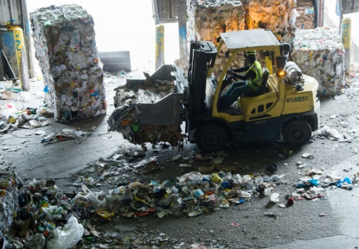 Trash Piles Up in US as China Won't Receive Recycling