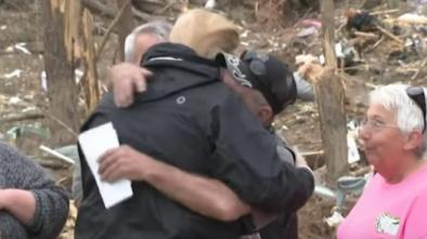 Trump Gets Hugs, Hero's Welcome in Ala. Town Devastated by Tornado 1