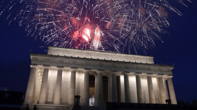 Trump Ignores DC Mayor's Efforts to Rain on July 4 Fireworks Festivities