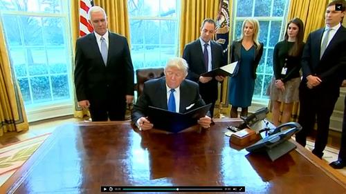 Trump Iran photo