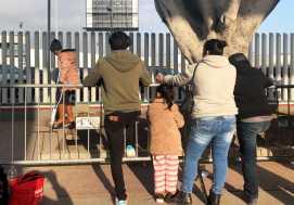 US Border Arrests Drop; Asylum-Seeking Mexicans Sent to Guatemala