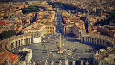 VATICAN: Male Escort Exposes 36 Gay Priests