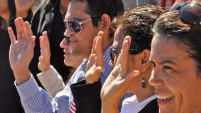 Woman Sues U.S. to Remove 'So Help Me God' from Citizenship Oath