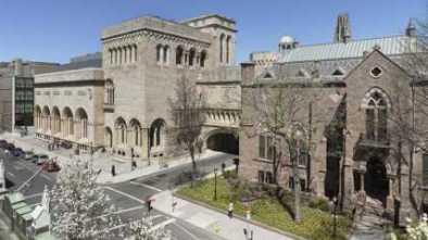 "Yale Univ to Replace ""Freshman"" as Not Inclusive"