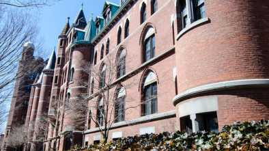 Yale University Replaces 'Freshmen' with Gender Neutral Term